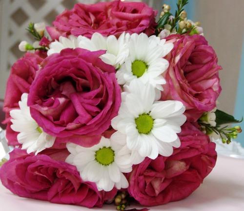 Pink bouquet with daisies
