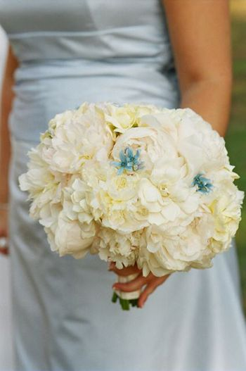 bouquet-with-blue1