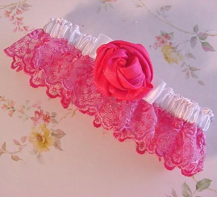 Roses garter