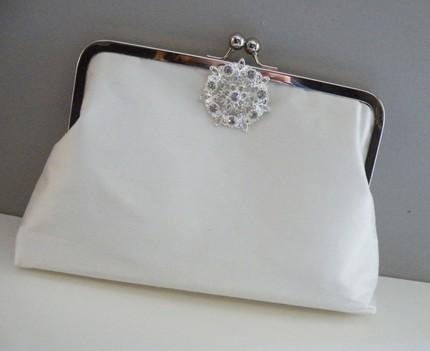 Bridal clutch